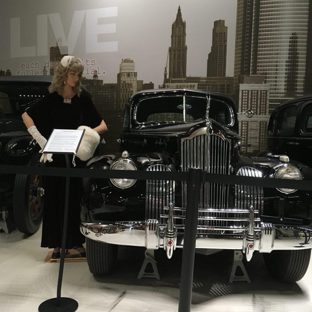 museum car display 23