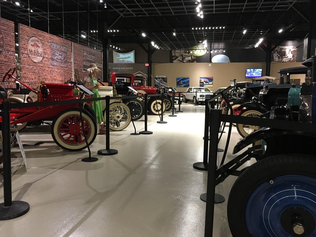 museum car display 18