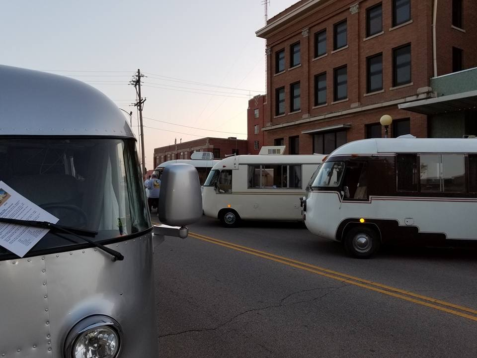 Downtown Hutchinson Ultra Van show 3