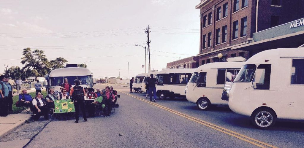 Downtown Hutchinson Ultra Van show