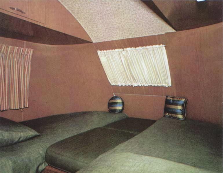 17th Ultra Van Bedroom