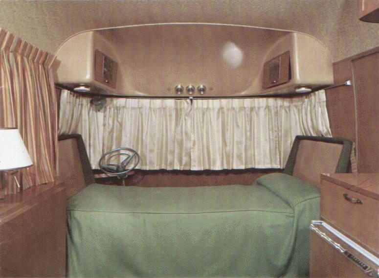 17th Ultra Van Front Sleeping Arrangements